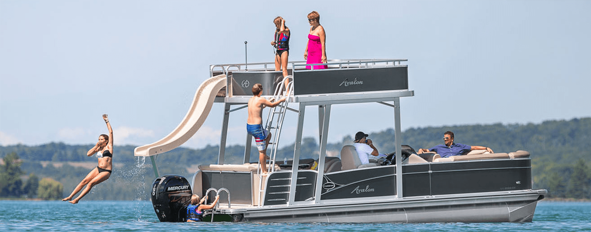 Avalon Entertainer Funship pontoons for sale | Johnson Marine