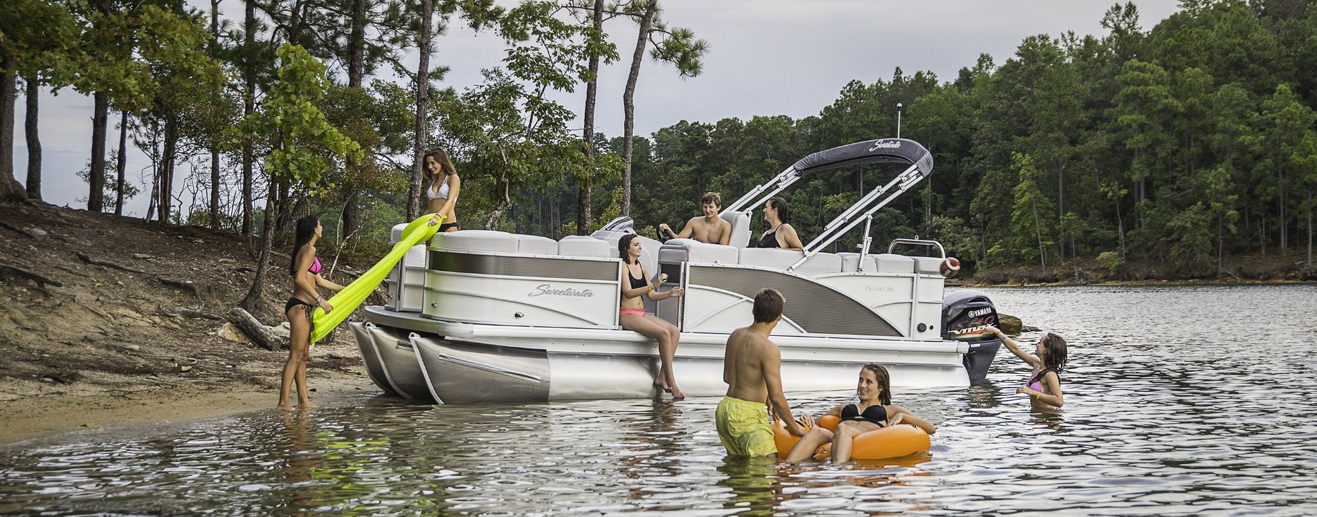 sweetwater pontoon boats for sale | Johnson Marine